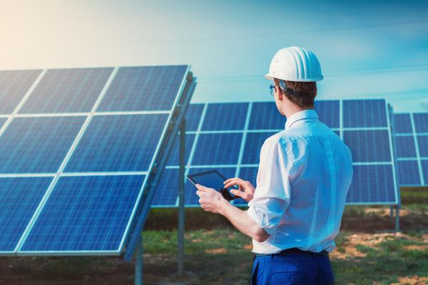 Empieza a cerrar trabajos de placas solares