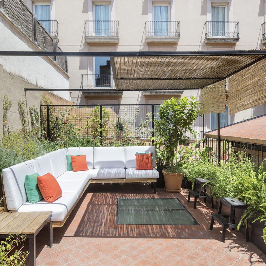 Los españoles valoran más sus terrazas tras el confinamiento y la instalación de pérgolas aumenta casi un 70%